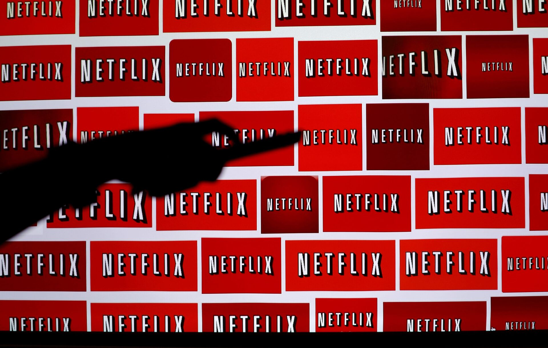 Image for Netflix will require Covid vaccinations for actors in the US