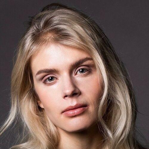 Alina Tomnikov Tuntematon Sotilas