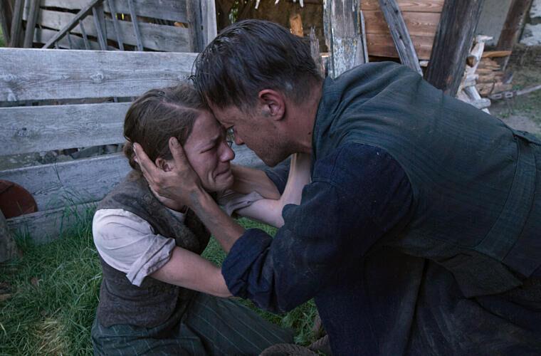 """Image for Valerie Pachner im Film """"Ein verborgenes Leben"""""""